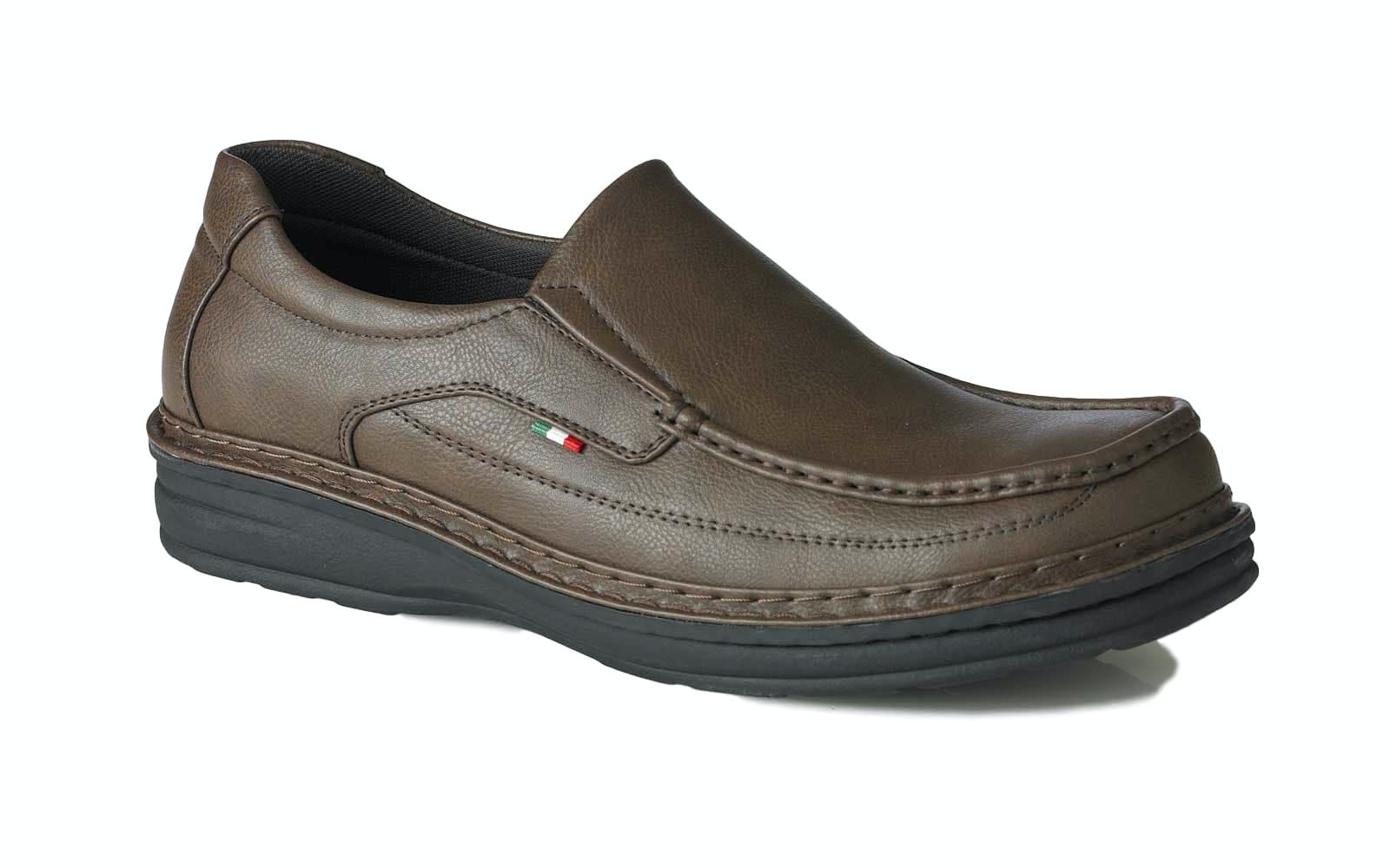 D555 Sonny Slip On Shoe Brown